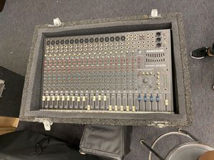 20 Chanel Mackie Mixer for Sale in San Diego, CA