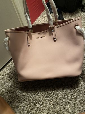Micheal kors bag for Sale in North Richland Hills, TX