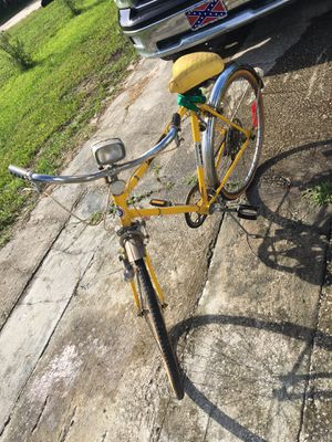 Ross eurotour 5 Vintage bike… Started cleaning to show it could look nice.Tubes are good but needs tires… $30 for Sale in Winter Park, FL