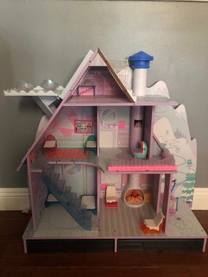 L.O.L. Surprise! Winter Disco Chalet Wooden Doll House for Sale in West Covina, CA