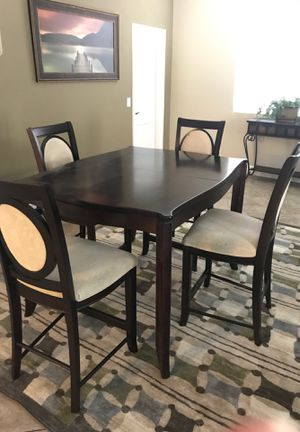 Table with 4 chairs- expanded leaf seat for 6 for Sale in Chandler, AZ