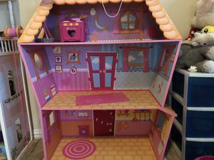 Lalaloopsy Sew Cute 3 Story Wooden Doll House for Sale in Frisco, TX