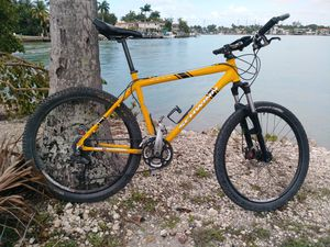 Schwinn mountain bike for Sale in Miami Beach, FL