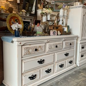 Refinished White 7 Drawer Farmhouse Dresser for Sale in Bonney Lake, WA