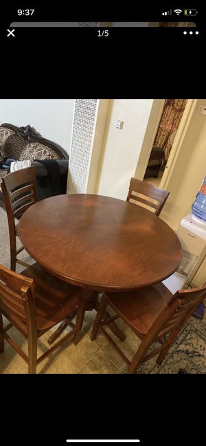 Dining table with four chairs for Sale in El Cajon, CA