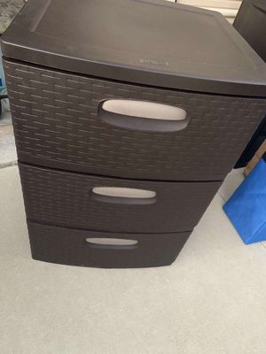 Two sets of plastic drawers LIKE NEW for Sale in Palmdale, CA