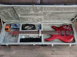 Yamaha TRBX304 Bass Guitar, Fender Amp & pedals for Sale in Chino Hills, CA