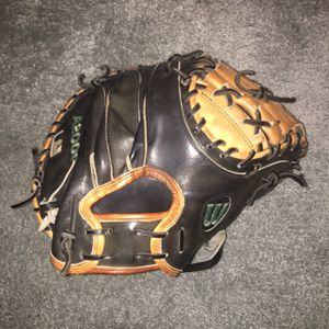Wilson A2000 Catchers Mitt for Sale in Brooklyn, CT
