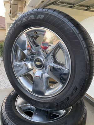 Chevy Silverado 20 inch wheels for Sale in Fontana, CA