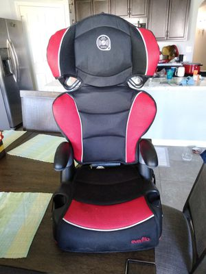 Baby car seat up 5 years old. for Sale in Port St. Lucie, FL