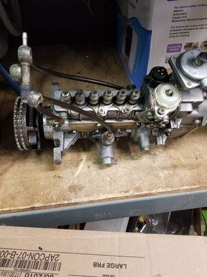 Mercedes clean w126 w124 300sdl 300d 300td diesel fuel injection pump for Sale in Los Angeles, CA