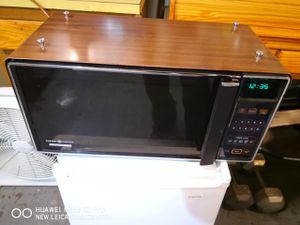 Vintage Rare 1984 Ge Spacemaker II Countertop Microwave Oven Wood for Sale in Brooklyn, NY