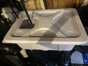 20 gallon reservoir with lid for Sale in Littleton, CO