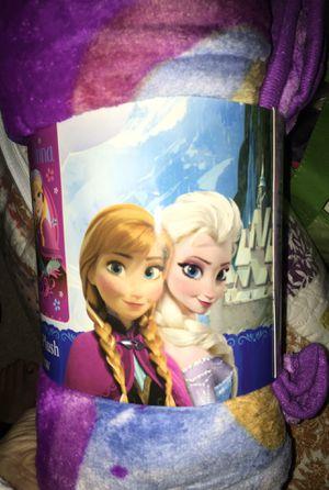 Frozen throw blanket and mug set for Sale in Alexandria, VA