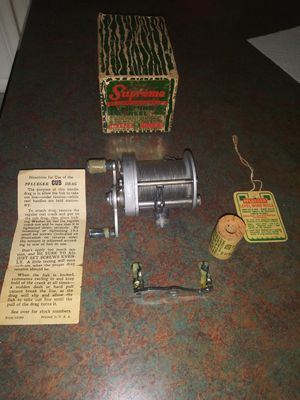 Vintage Pflueger Supreme Fishing Reel No. 1573 for Sale in Hazelwood, MO