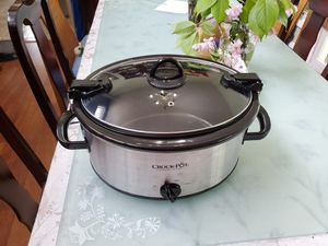 Crock Pot (6 qt. With Locking Lid) for Sale in Bowie, MD