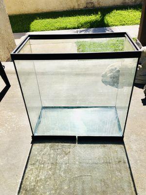 Fish Tank for Sale in Garden Grove, CA