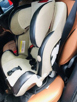Car seat convertible, great condition for Sale in St. Louis, MO