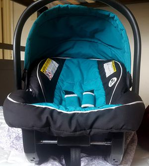 Baby car seat for Sale in College Park, MD