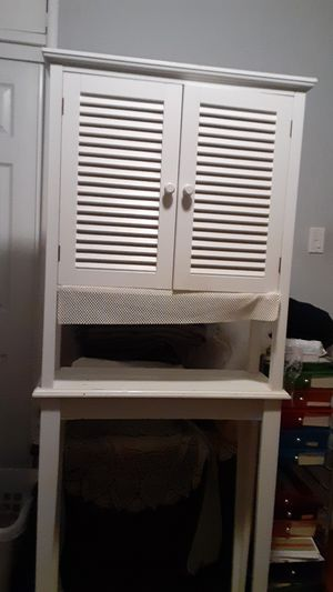 A tall cabinet with shelves for your bathroom or really can use in anyroom for Sale in Hayward, CA