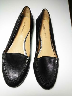 Antonio Melani Women's Flats Slip On Shoes Loafers Size 9M Black Leather for Sale in Florissant, MO