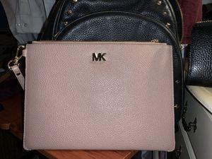 Beautiful pale pink envelope wristlet large for Sale in Grand Prairie, TX