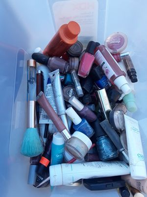 USED MAKEUP for Sale in Westminster, CA