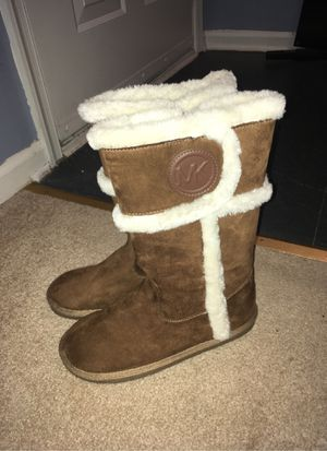 Size 5 Michael Kors boots for Sale in Alexandria, VA