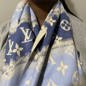 Louis Vuitton Monogram Hombre Gradient Scarf Shawl Lv Wool Silk Blend for Sale in Freeport, NY