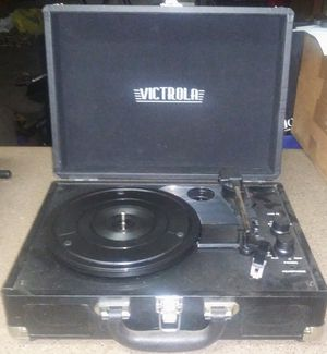 Victrola 3-Speed Bluetooth Suitcase Turntable With Speakers & Power Cord, Black for Sale in Nashville, TN