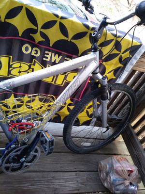 Specialized expedition mountain bike for Sale in Pittsburgh, PA