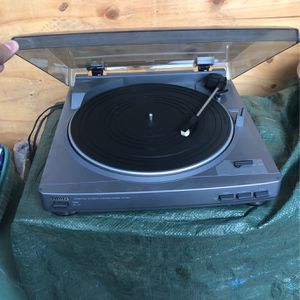 aiwa stereo full automatic turntable system px-e850 for Sale in El Cajon, CA