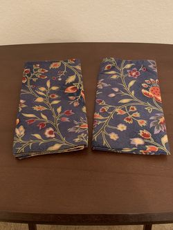 Set of 2 Cloth Dinner Napkins for Sale in Waco,  TX