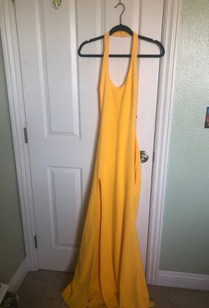Yellow size 6 dress for Sale in Las Vegas, NV