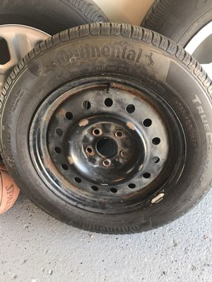 Continental 205/65/16 tire and rims for Sale in Chicago, IL