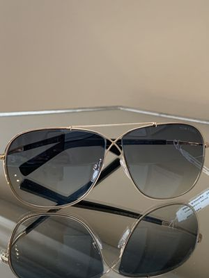 Tom Ford 2 Sunglasses TF 393 April 28P Black Gold 61mm for Sale in Bolingbrook, IL