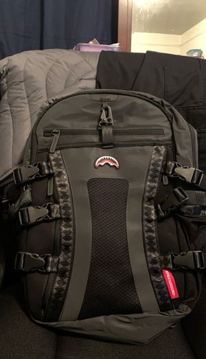 Sorayground 3m reflective nomad backpack for Sale in Brooklyn, NY