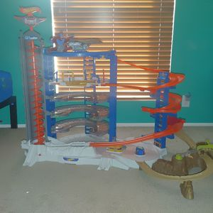 Large Hot Wheels Track for Sale in Albuquerque, NM