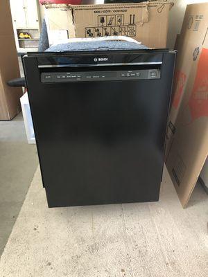 Dishwasher Bosch Model SHEM63W56N for Sale in Highland, UT