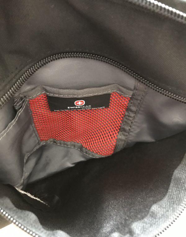 SWISS GEAR Crossbody Bag - One Strap Backpack - Black