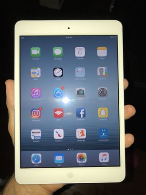 Apple iPad mini 1. 16 gb. WiFi. White. Like new with the box and charger for Sale in Tampa, FL