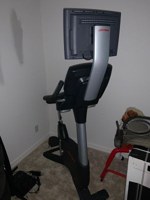 Up right bike life fitness for Sale in Kissimmee, FL