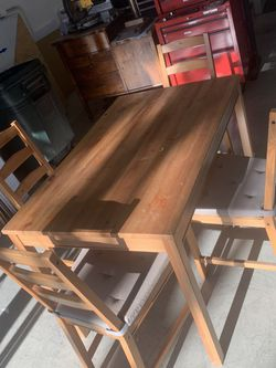Wooden Dining Room Table for Sale in Irvine,  CA