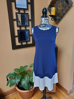 ANNALEE + HOPE NAVY BLUE & WHITE SLEEVELESS DRESS! for Sale in Taunton, MA