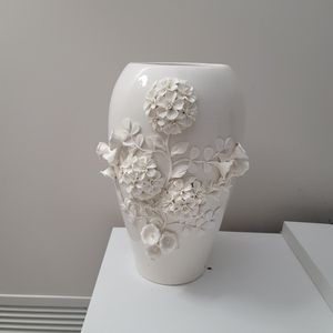 flower luxury vase for Sale in Lombard, IL