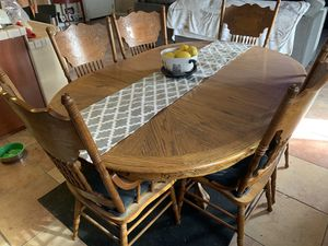 Oak 8 piece dining table for Sale in Hanford, CA