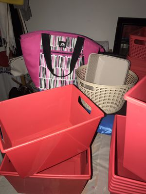 Plastic storage containers and Lunch bag, ALL for $8 for Sale in Pinole, CA