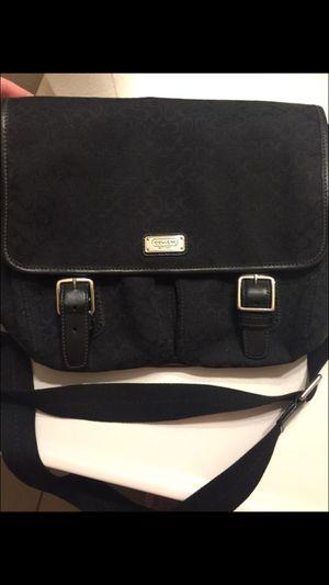 Coach purse for Sale in Goodyear, AZ