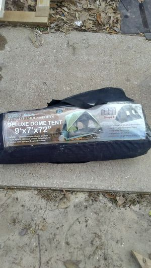 W.f.s. - world famous sports deluxe dome tent 9×7×72 for Sale in Hideaway, TX