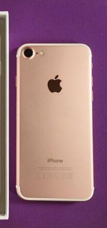 iPhone 7 128gb unlocked for Sale in Oakton, VA